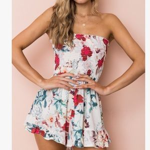 Pants - 🌸🌸Just My Style White Red Floral Romper